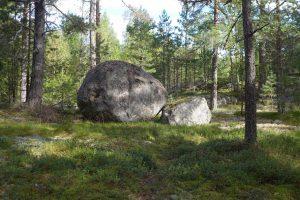 Caroline Dear - Vassen Susar Exhibition Finland - stone